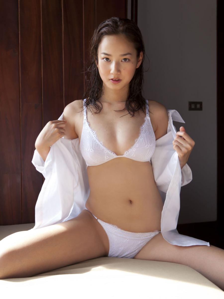 高嶋香帆 セクシー画像 25