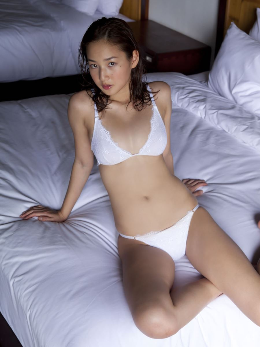高嶋香帆 セクシー画像 35