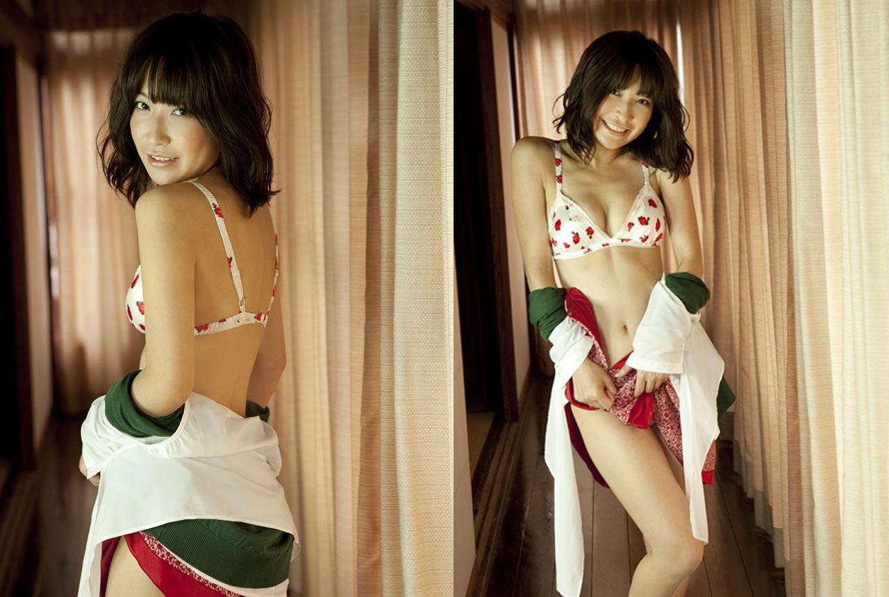 小野真弓 セクシー画像 14