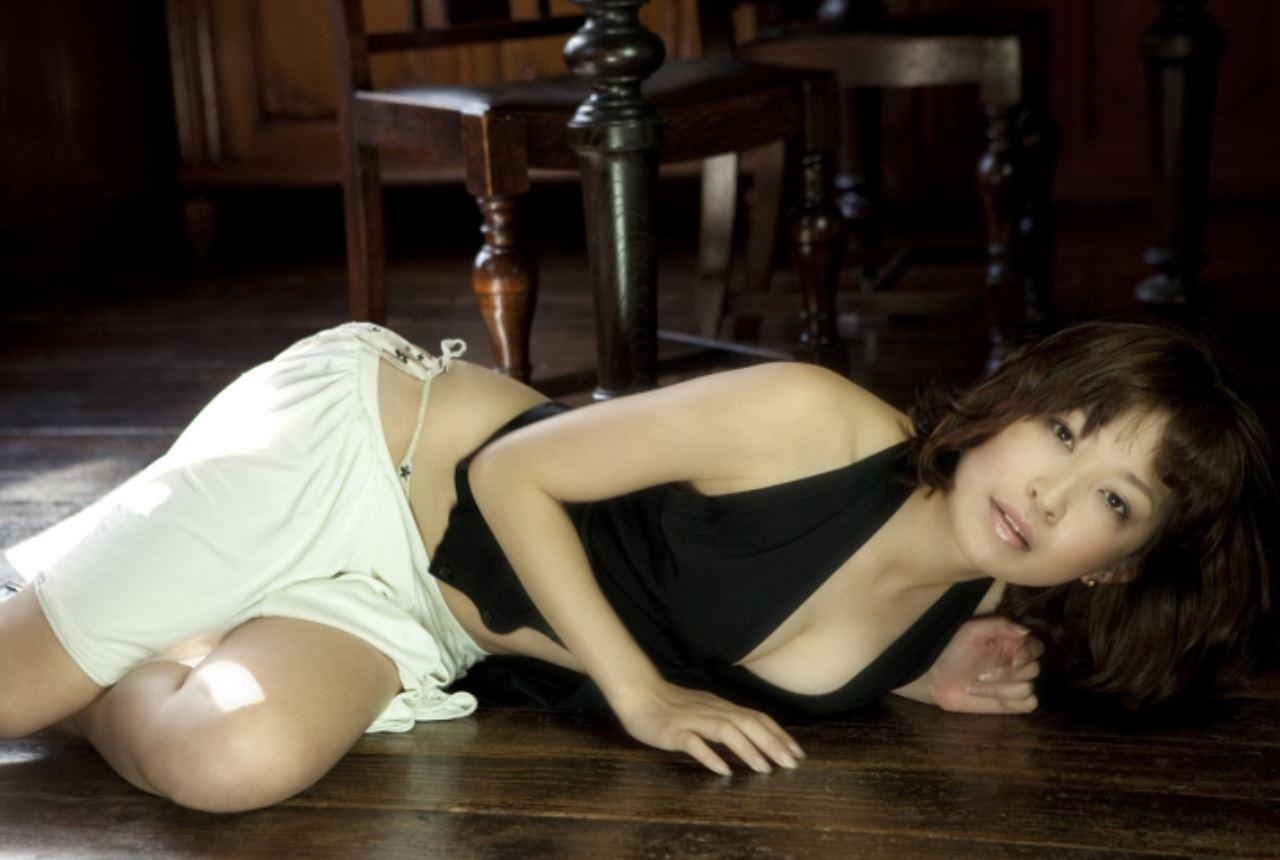 小野真弓 セクシー画像 48