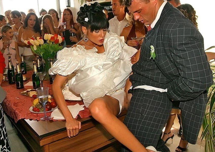 ウェディングドレス姿の外国人花嫁ファック画像 2