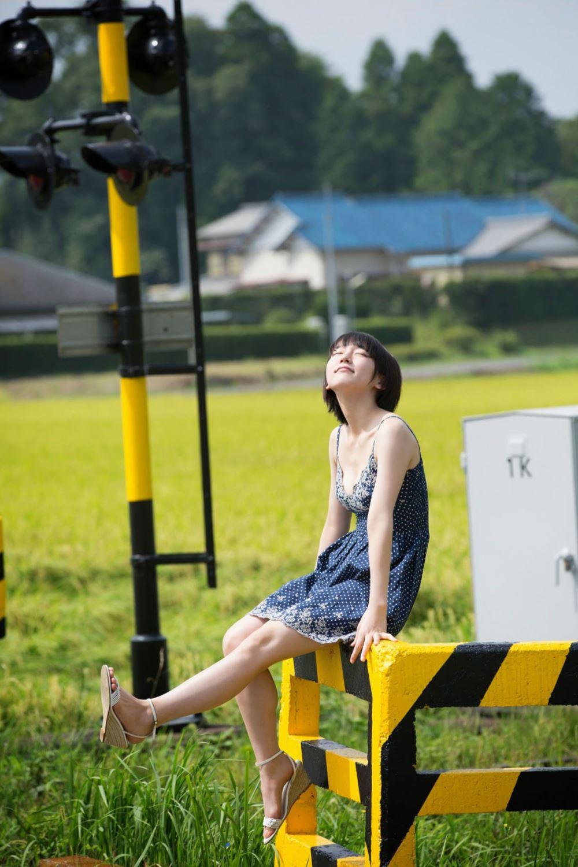 吉岡里帆 エロ画像 59