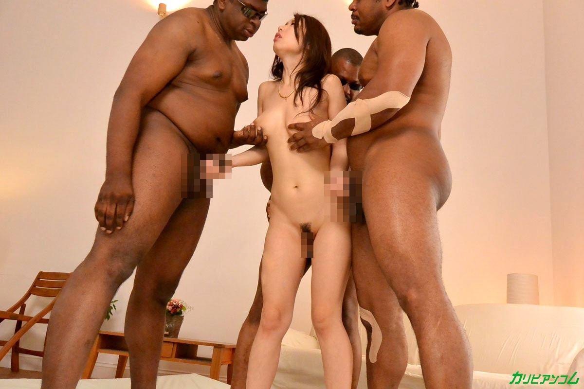篠田あゆみ 黒人・乱交セックス画像 13