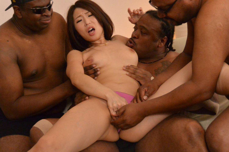 篠田あゆみ 黒人・乱交セックス画像 102