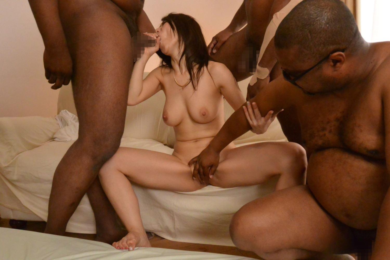 篠田あゆみ 黒人・乱交セックス画像 103