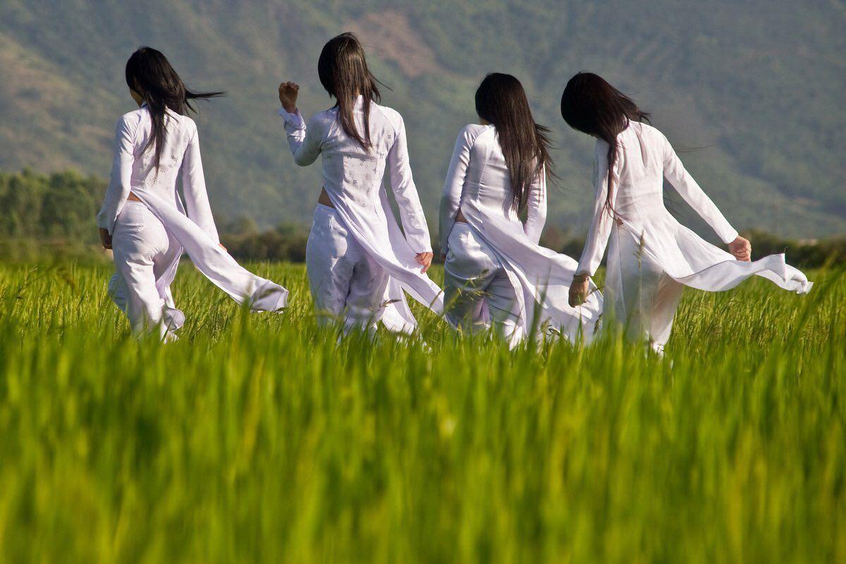 ベトナム民族衣装アオザイ画像 50
