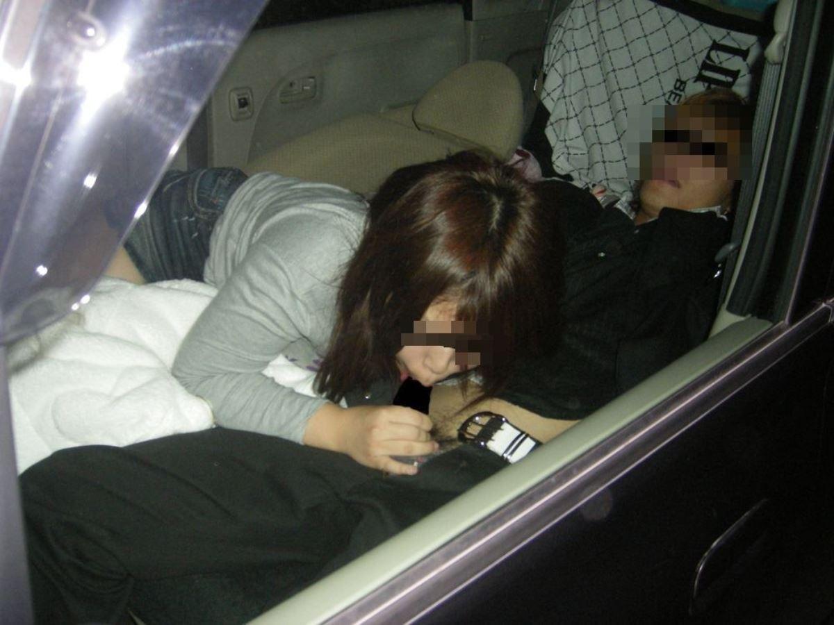 車内フェラチオ画像 48