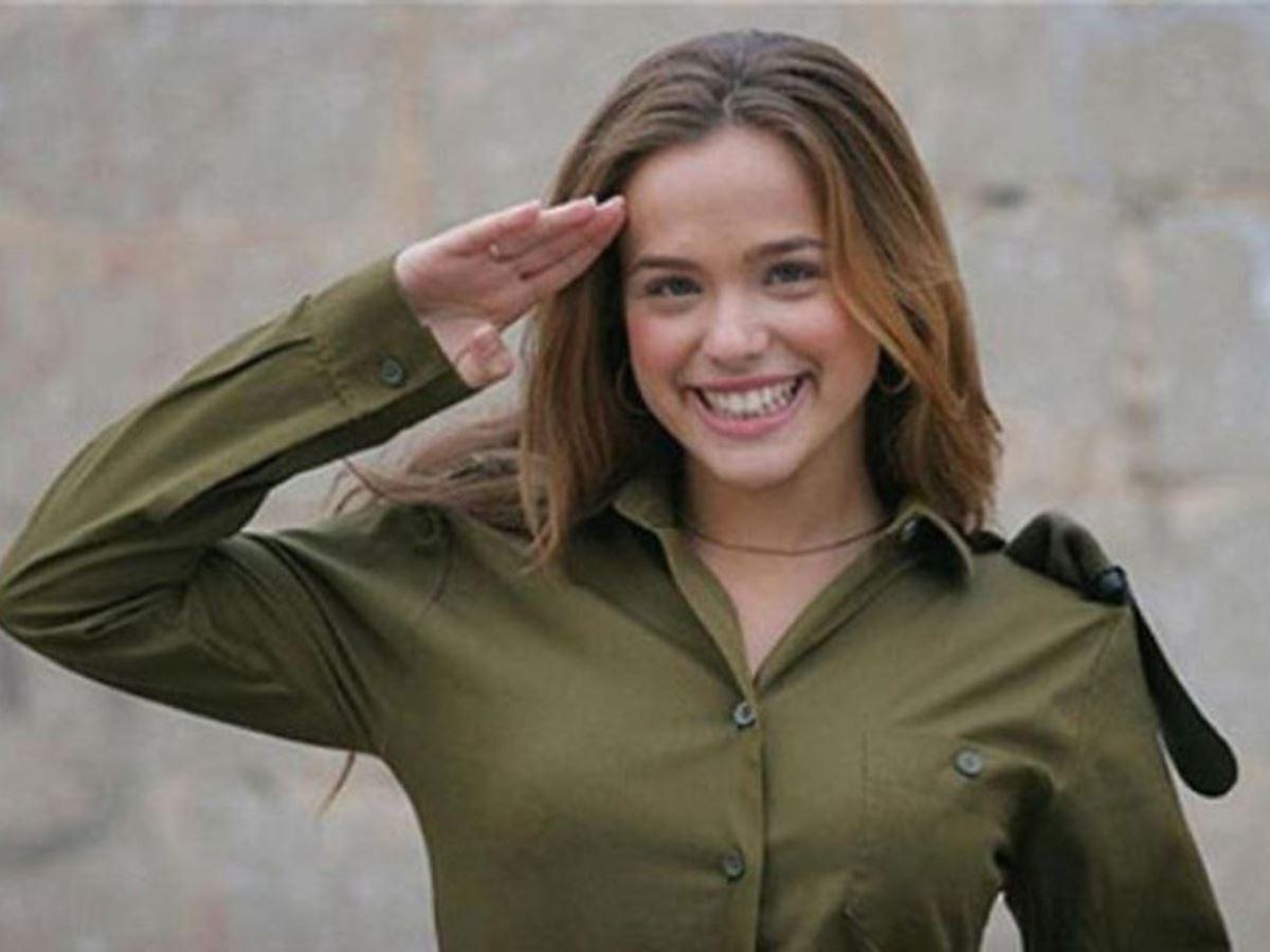 美しすぎる女性兵士画像 4