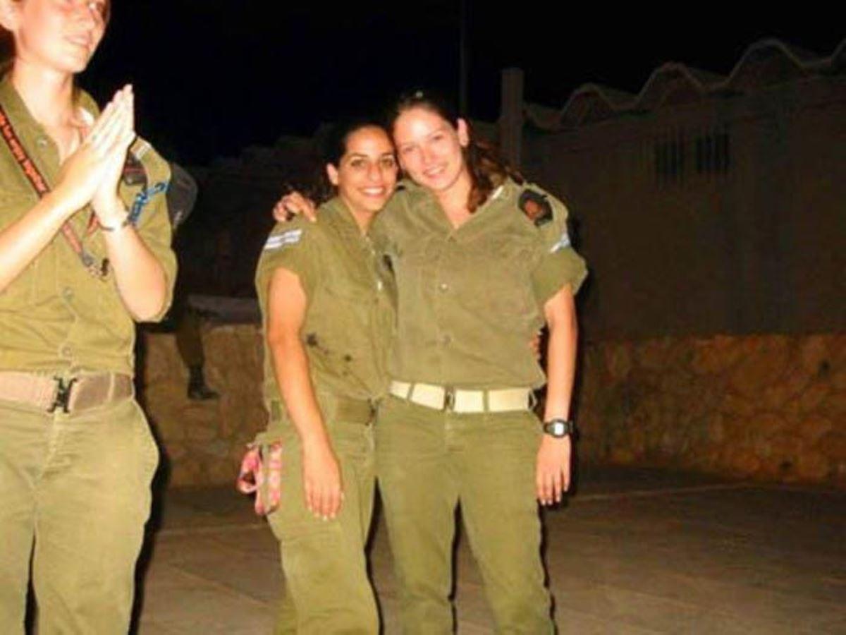 美しすぎる女性兵士画像 7