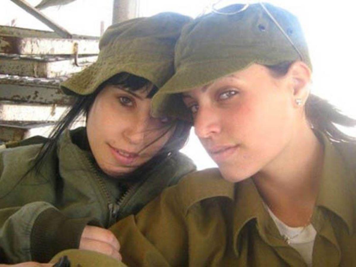 美しすぎる女性兵士画像 10