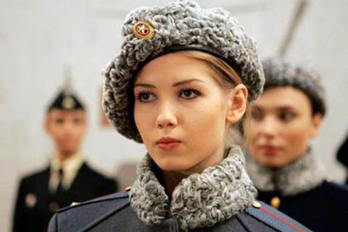 美しすぎる女性兵士画像 11