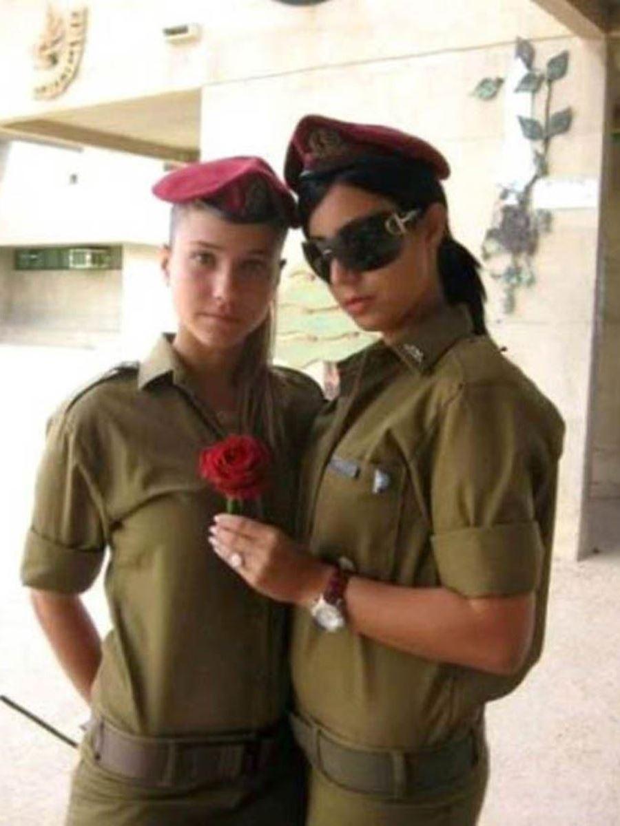 美しすぎる女性兵士画像 13