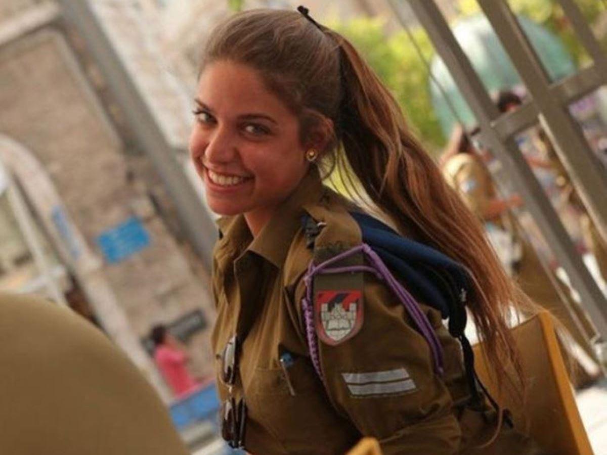美しすぎる女性兵士画像 19