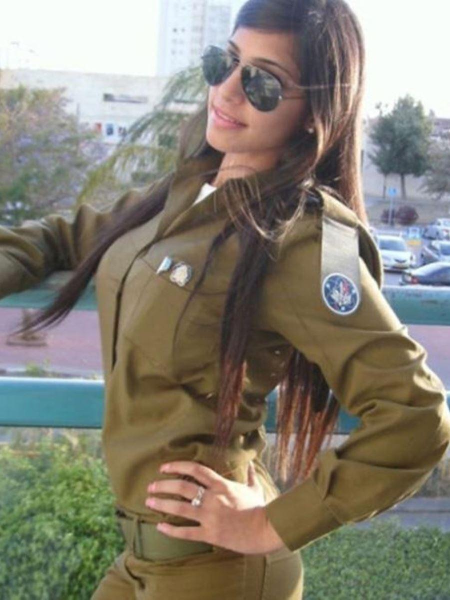 美しすぎる女性兵士画像 23