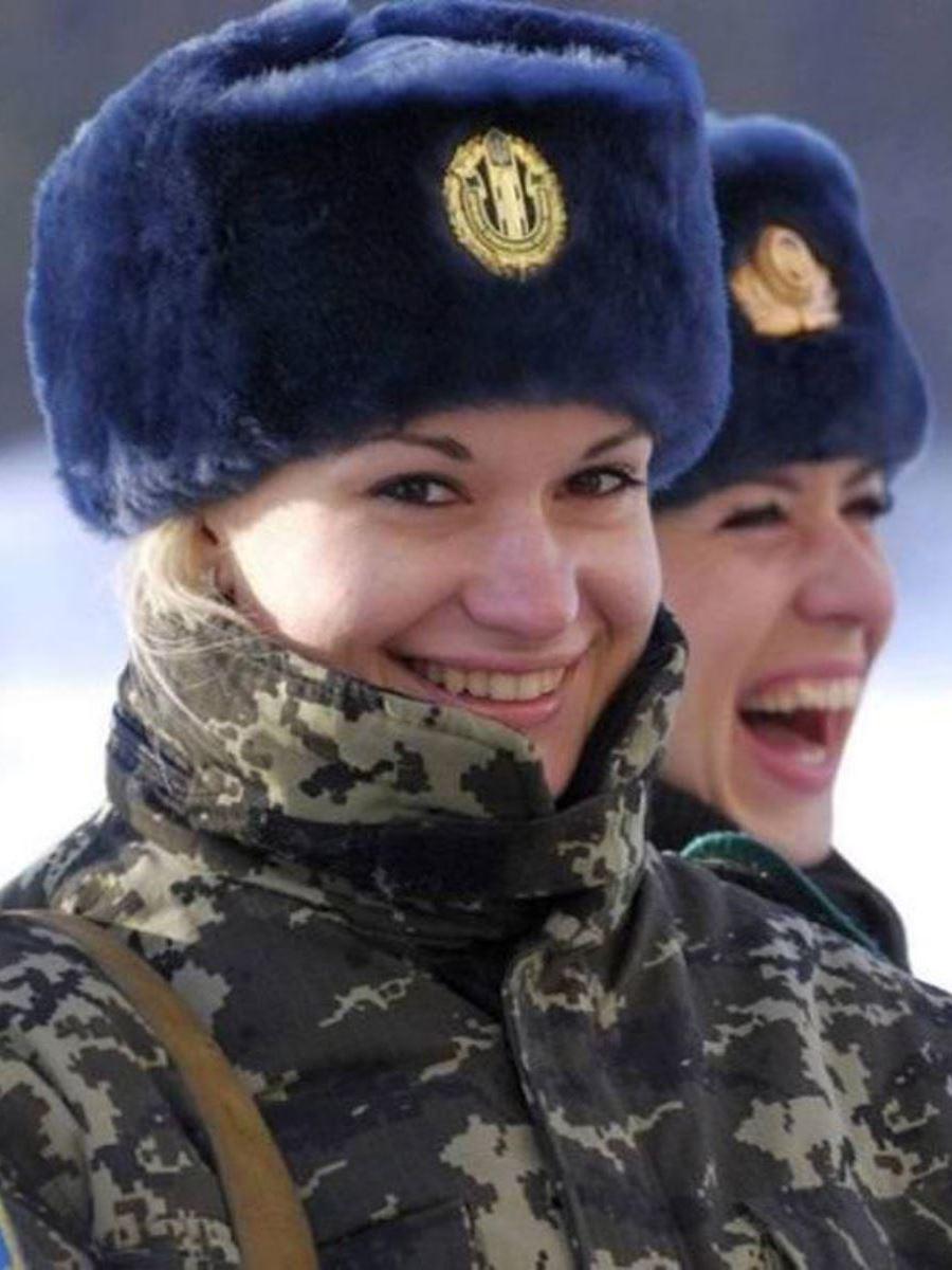美しすぎる女性兵士画像 26