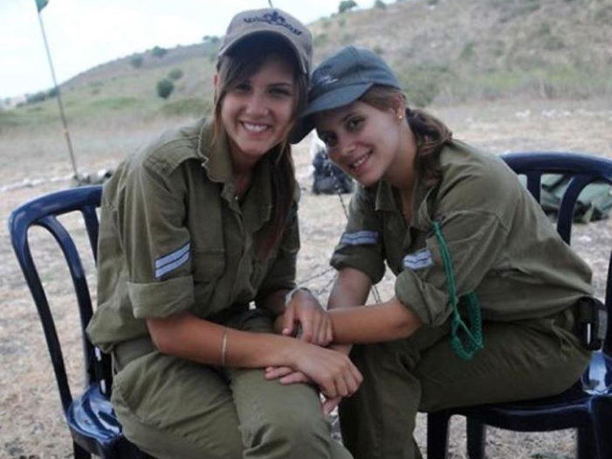 美しすぎる女性兵士画像 28