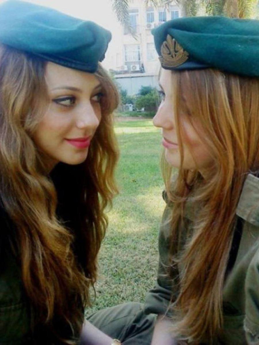 美しすぎる女性兵士画像 31