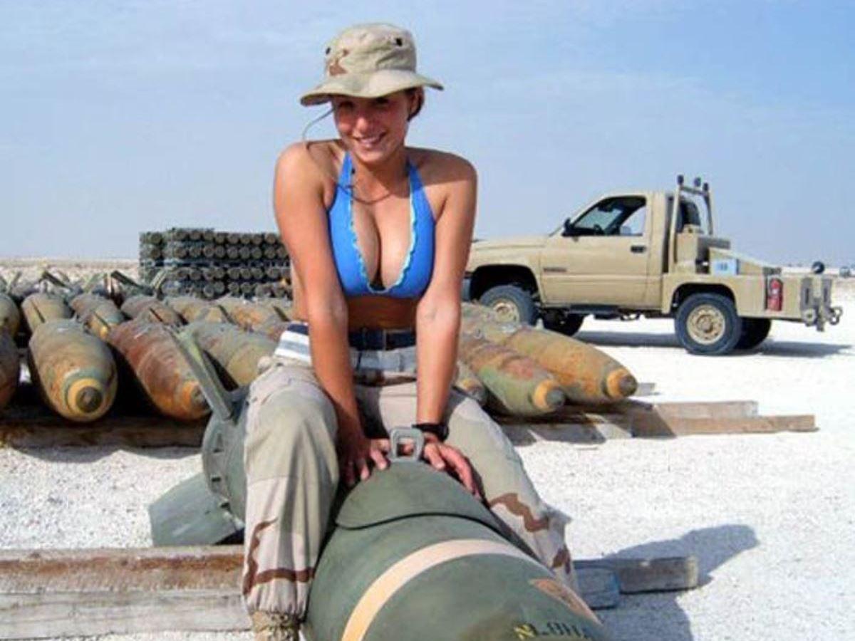 美しすぎる女性兵士画像 34
