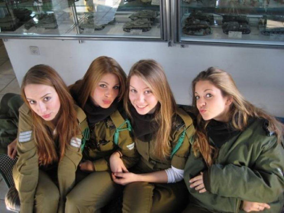 美しすぎる女性兵士画像 36