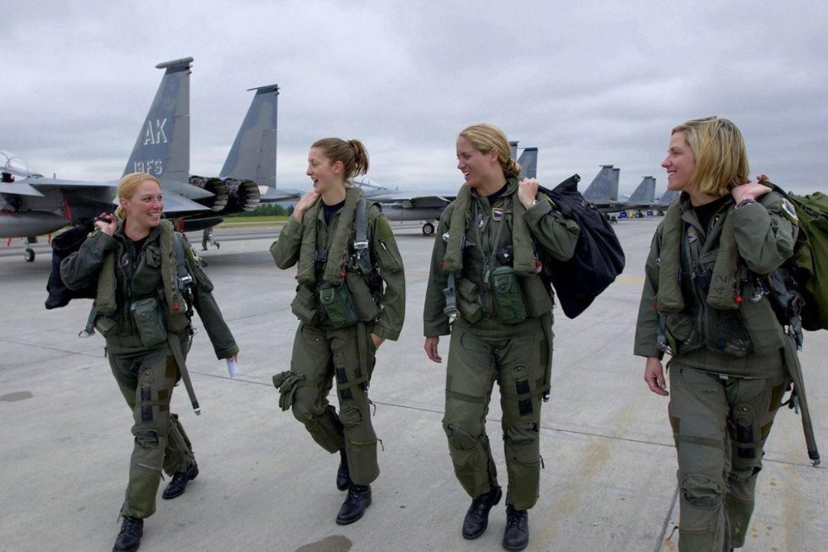 美しすぎる女性兵士画像 38