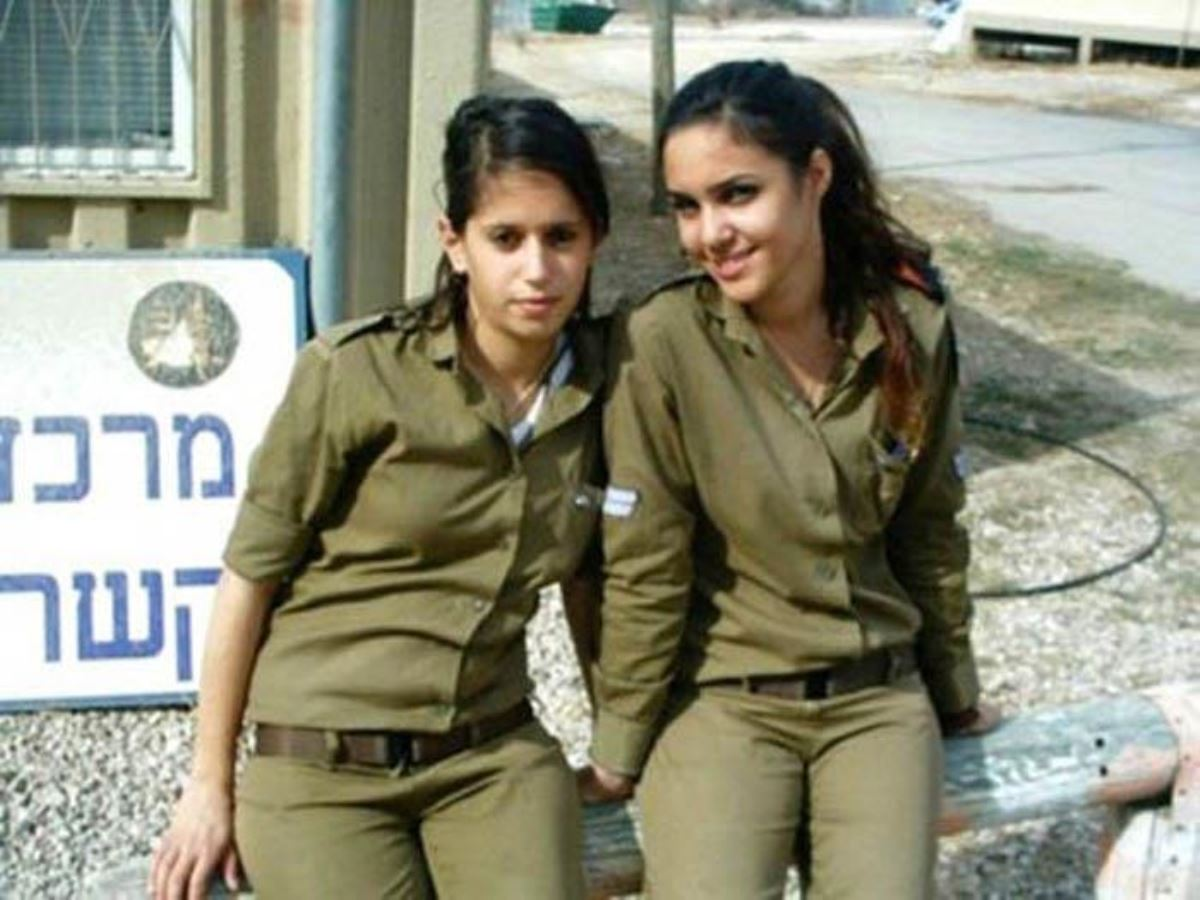 美しすぎる女性兵士画像 41