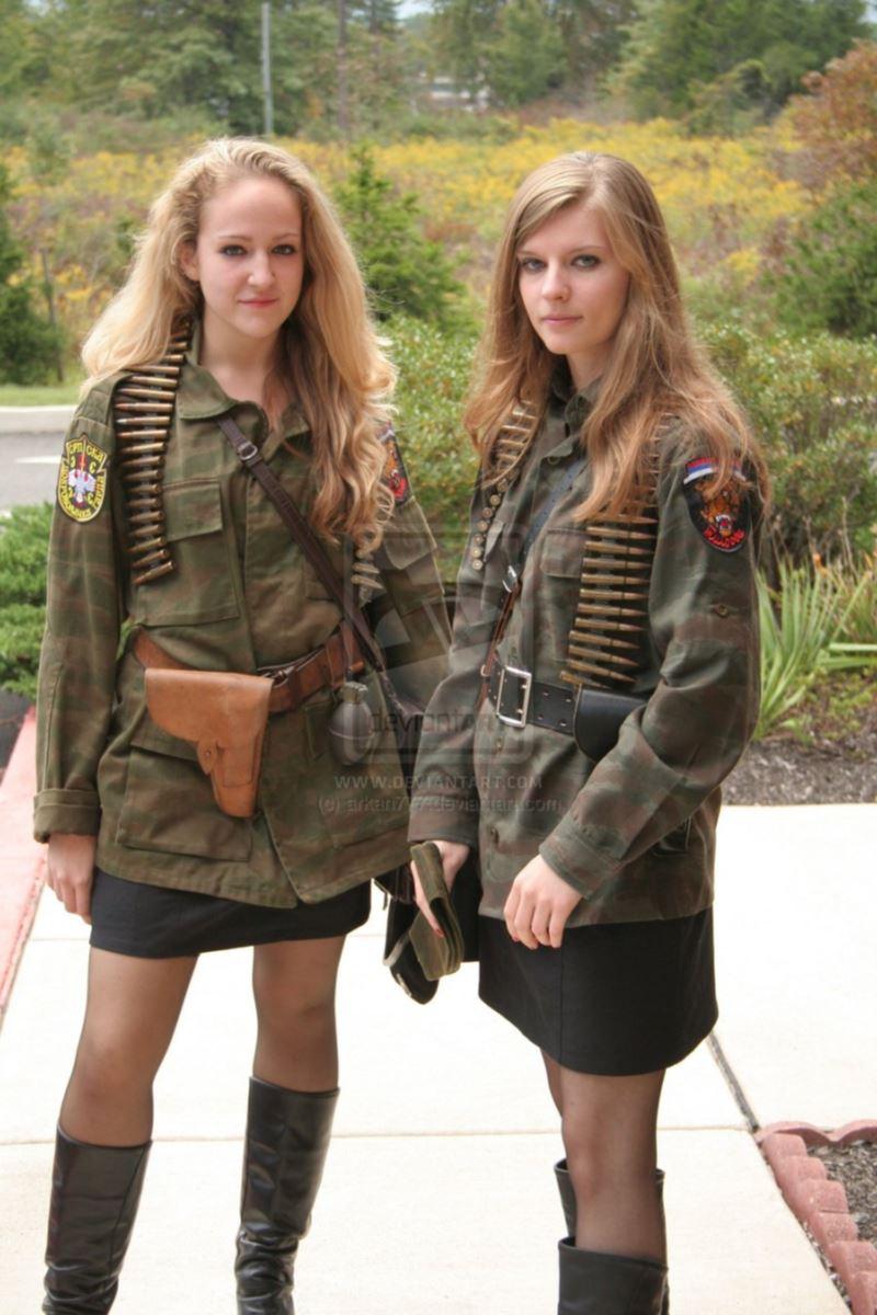 美しすぎる女性兵士画像 42