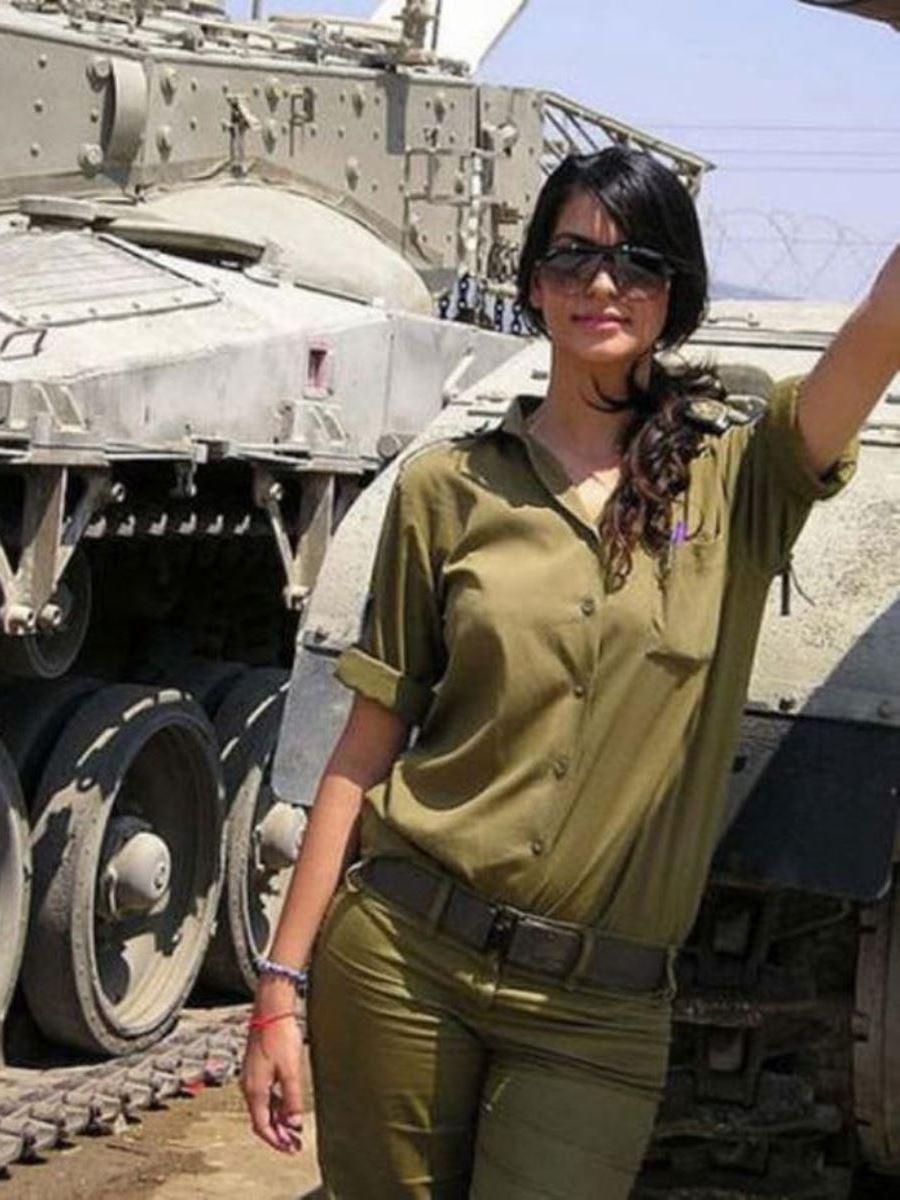 美しすぎる女性兵士画像 44