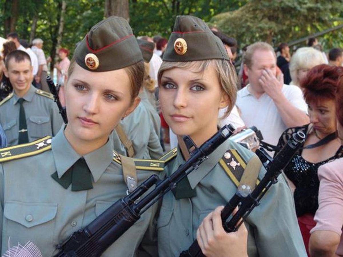 美しすぎる女性兵士画像 45
