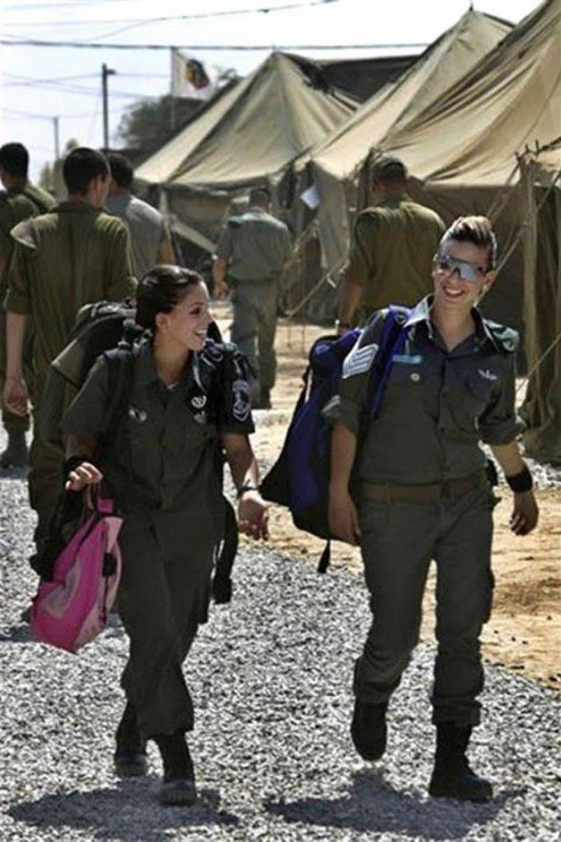 美しすぎる女性兵士画像 46