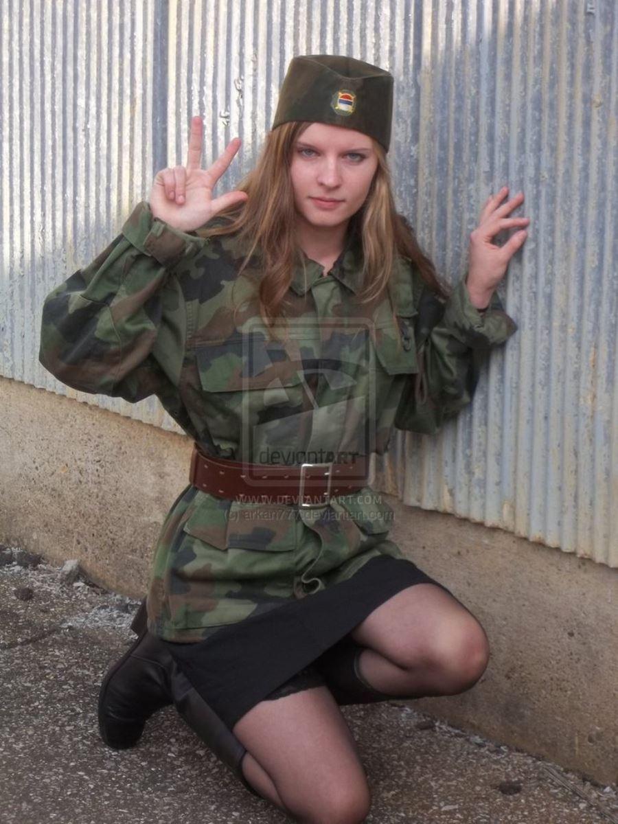 美しすぎる女性兵士画像 48