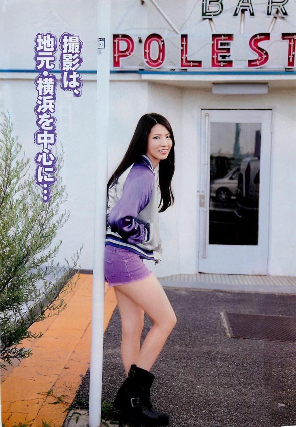 AKBを卒業した倉持明日香と高城亜樹の水着画像 7