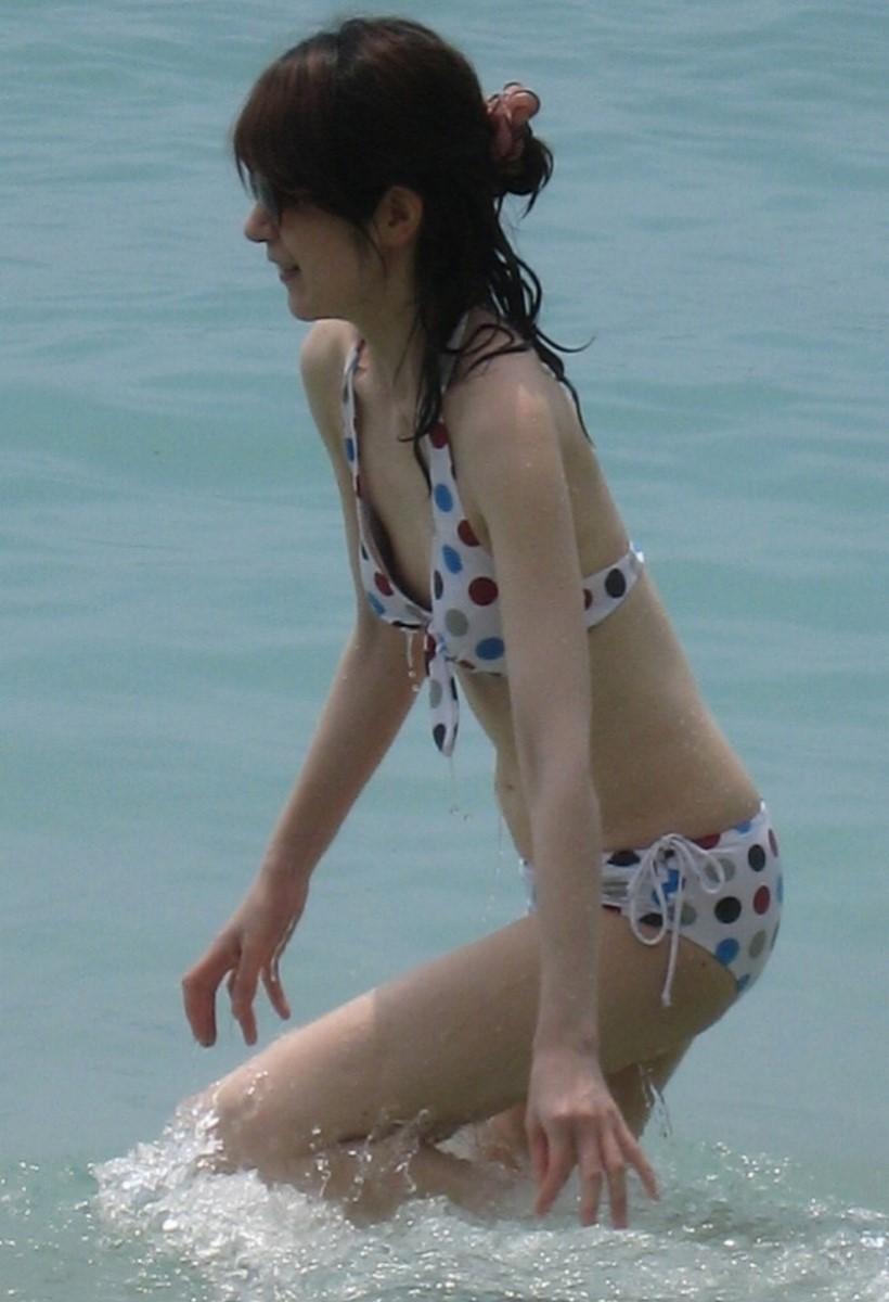 素人の水着チラリ画像 4
