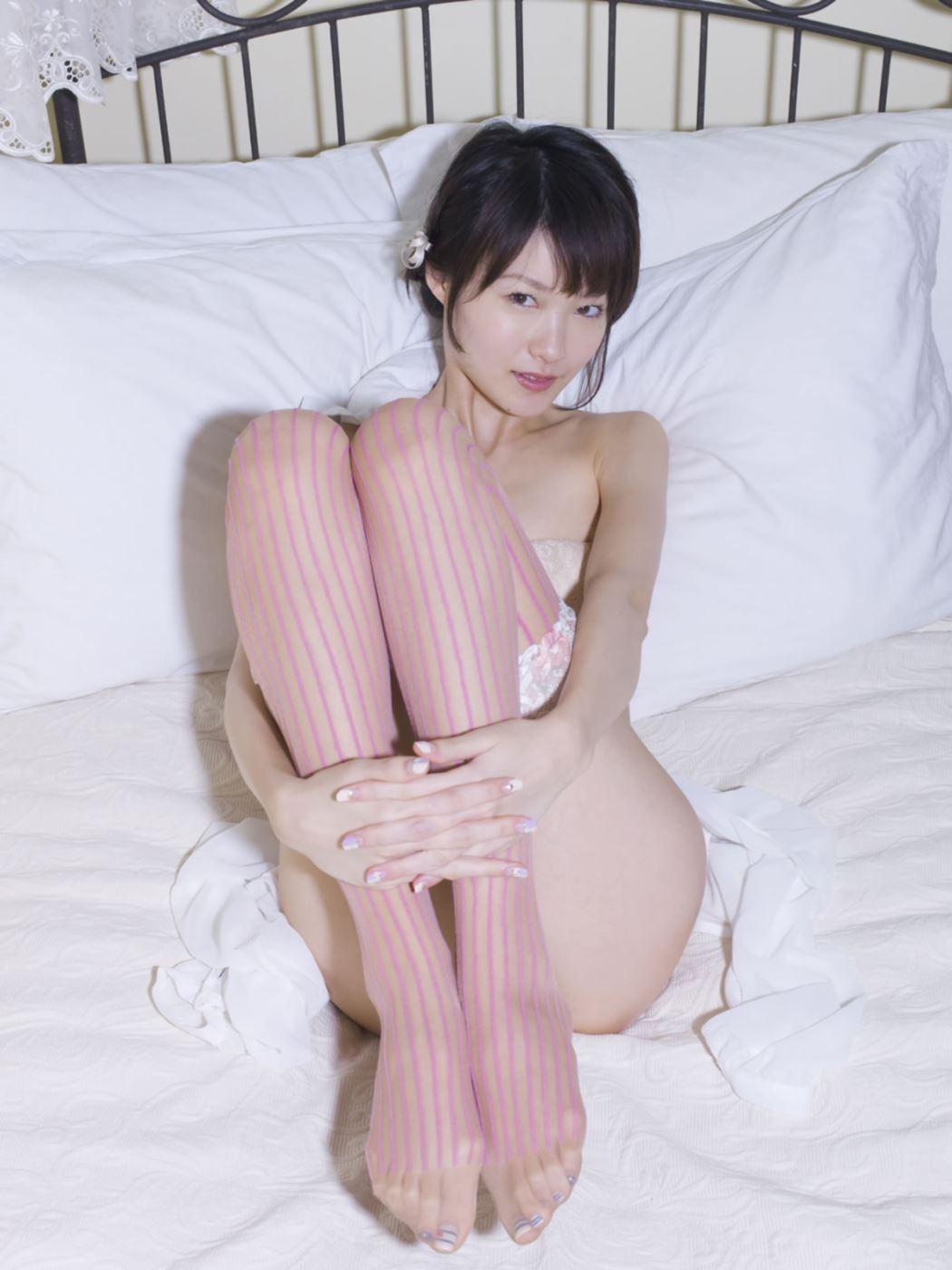 しほの涼 セクシーランジェリー画像 16