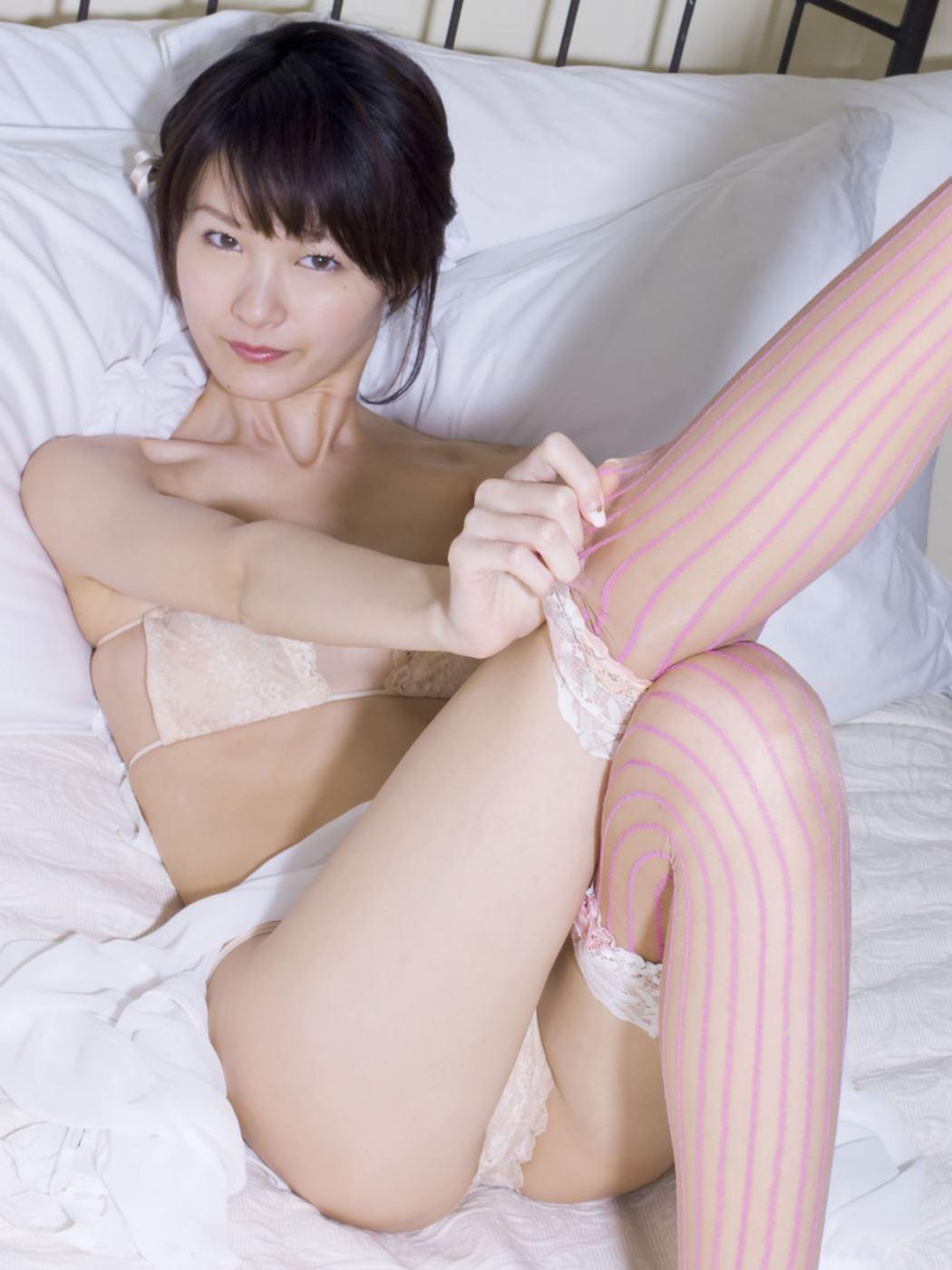 しほの涼 セクシーランジェリー画像 20