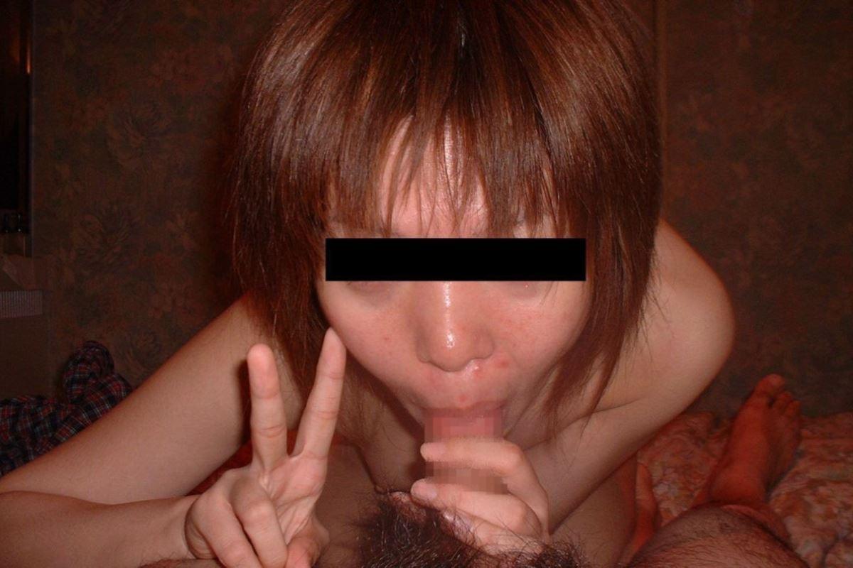 素人女のフェラチオVサイン画像 6