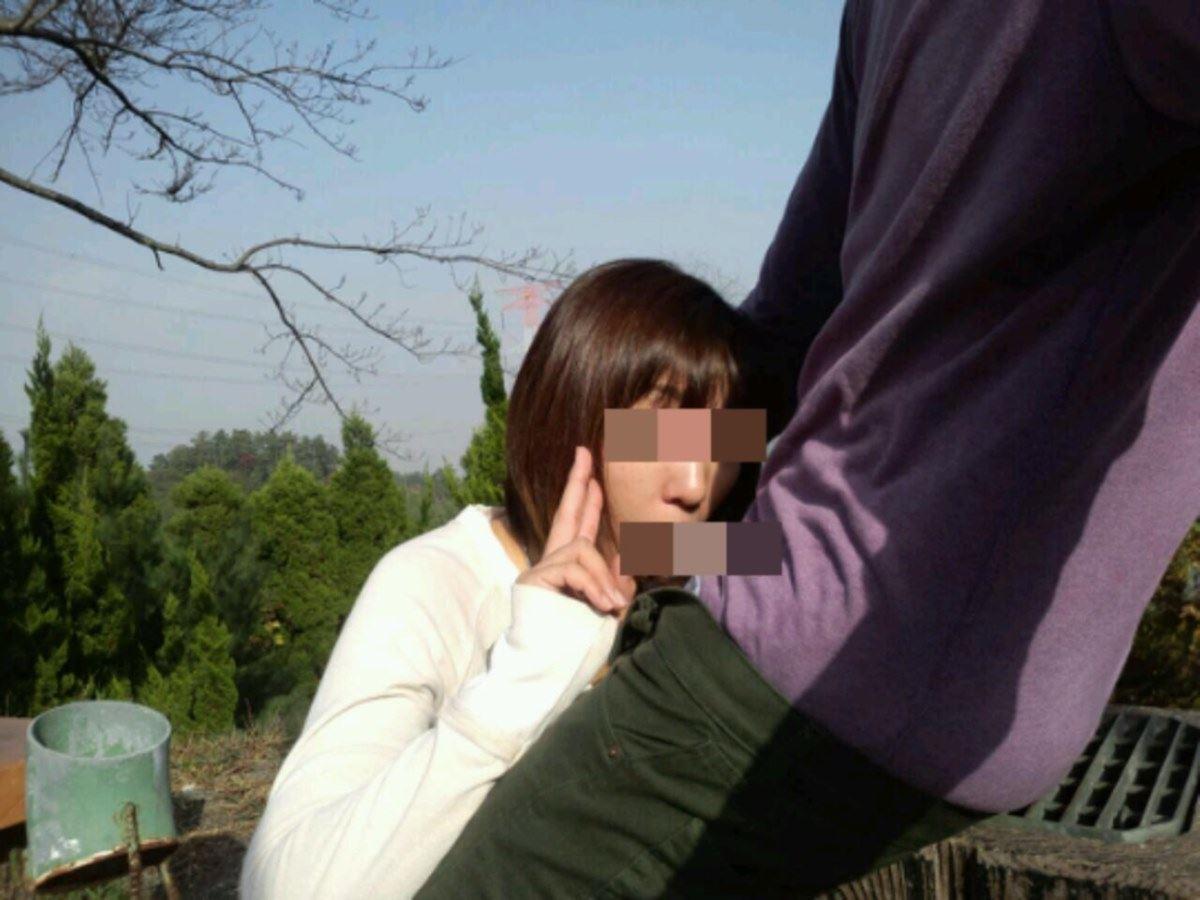 素人女のフェラチオVサイン画像 19