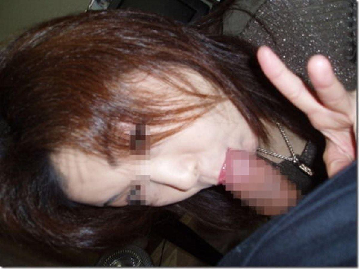 素人女のフェラチオVサイン画像 26