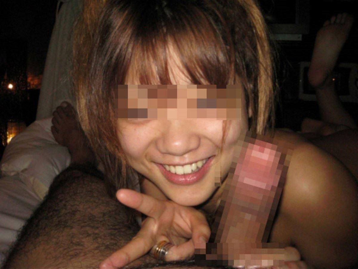 素人女のフェラチオVサイン画像 29