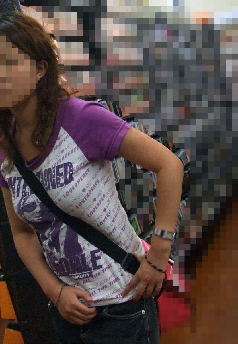 パイスラッシュ!!街で盗撮したパイスラ画像 15