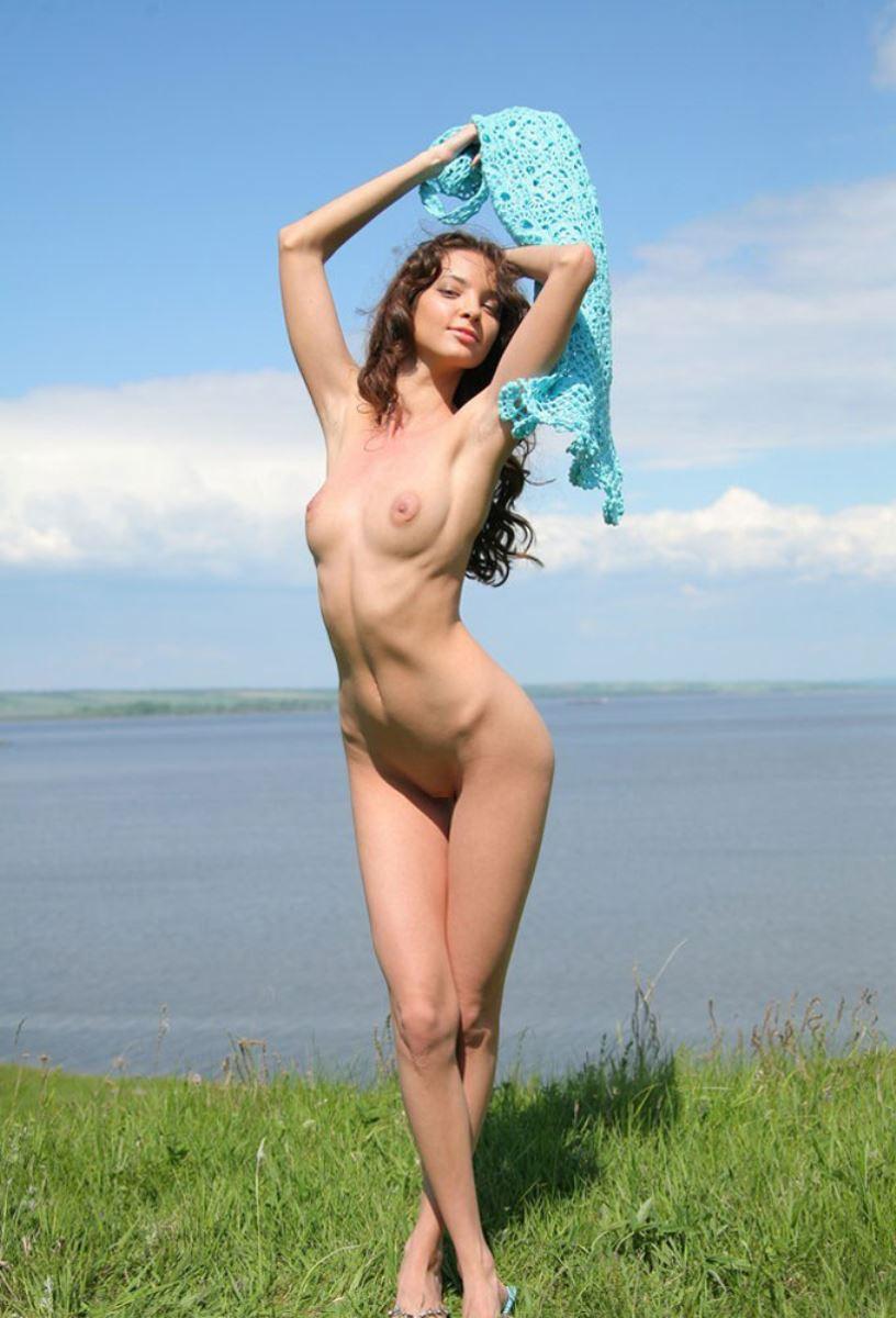 美しい白人少女の貧乳ヌード画像 50