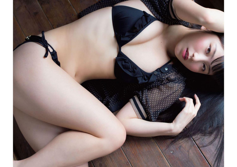 AKB48 横山由依 水着グラビア画像 16