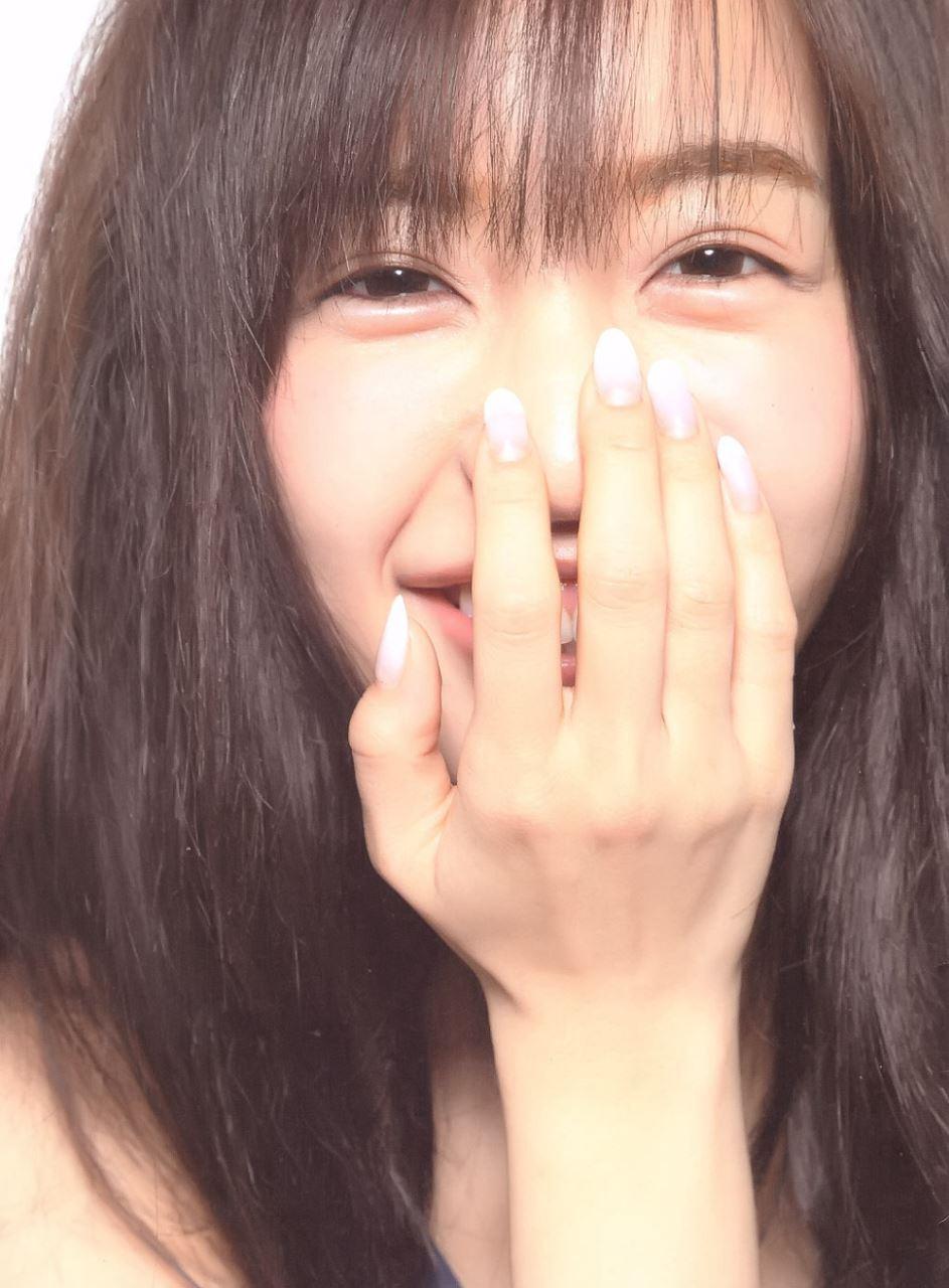 板野友美 すっぴん写真集「Luv U」画像 8