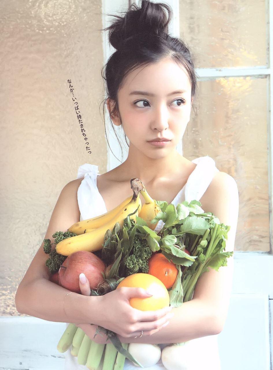 板野友美 すっぴん写真集「Luv U」画像 15