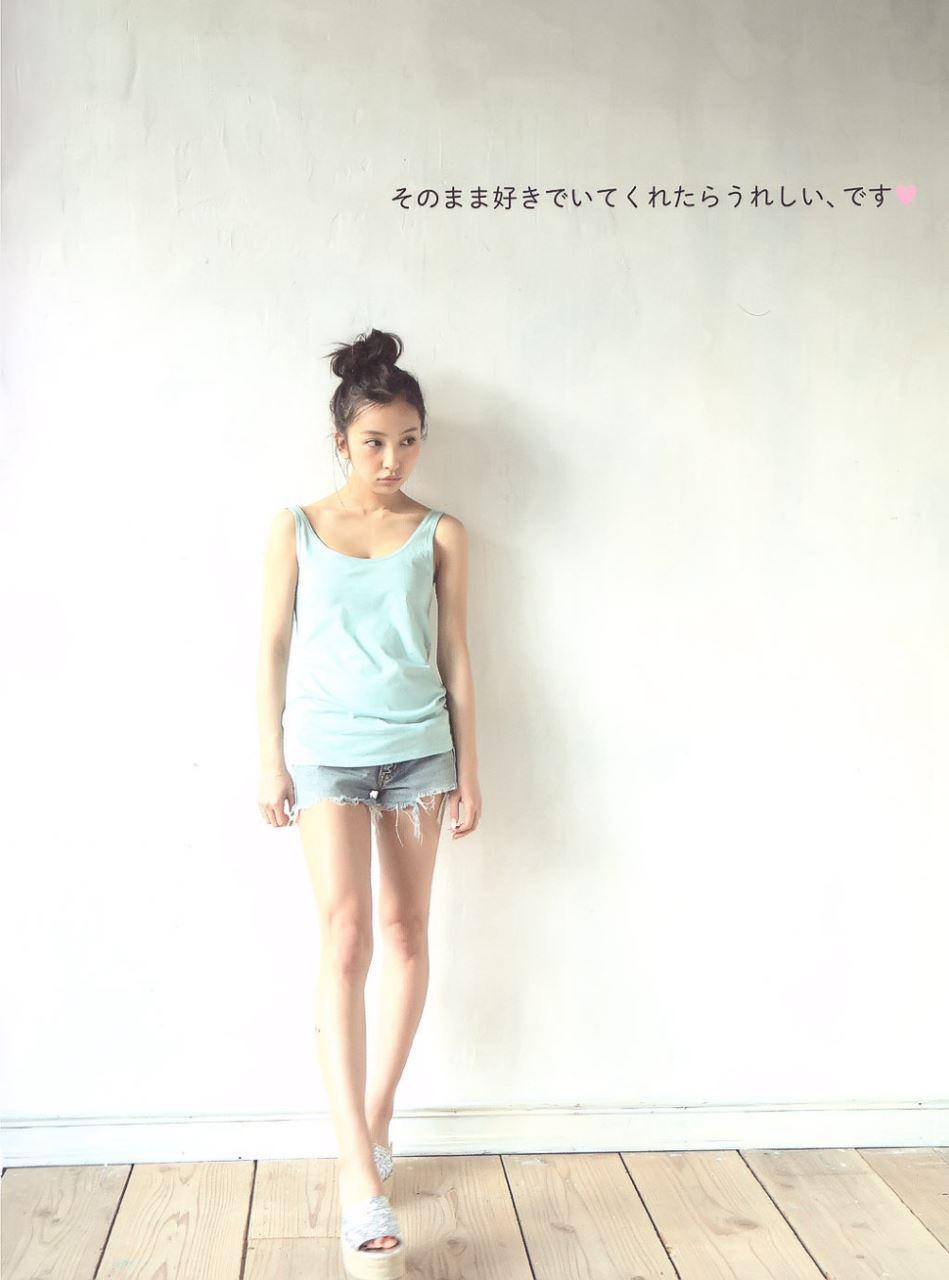 板野友美 すっぴん写真集「Luv U」画像 27