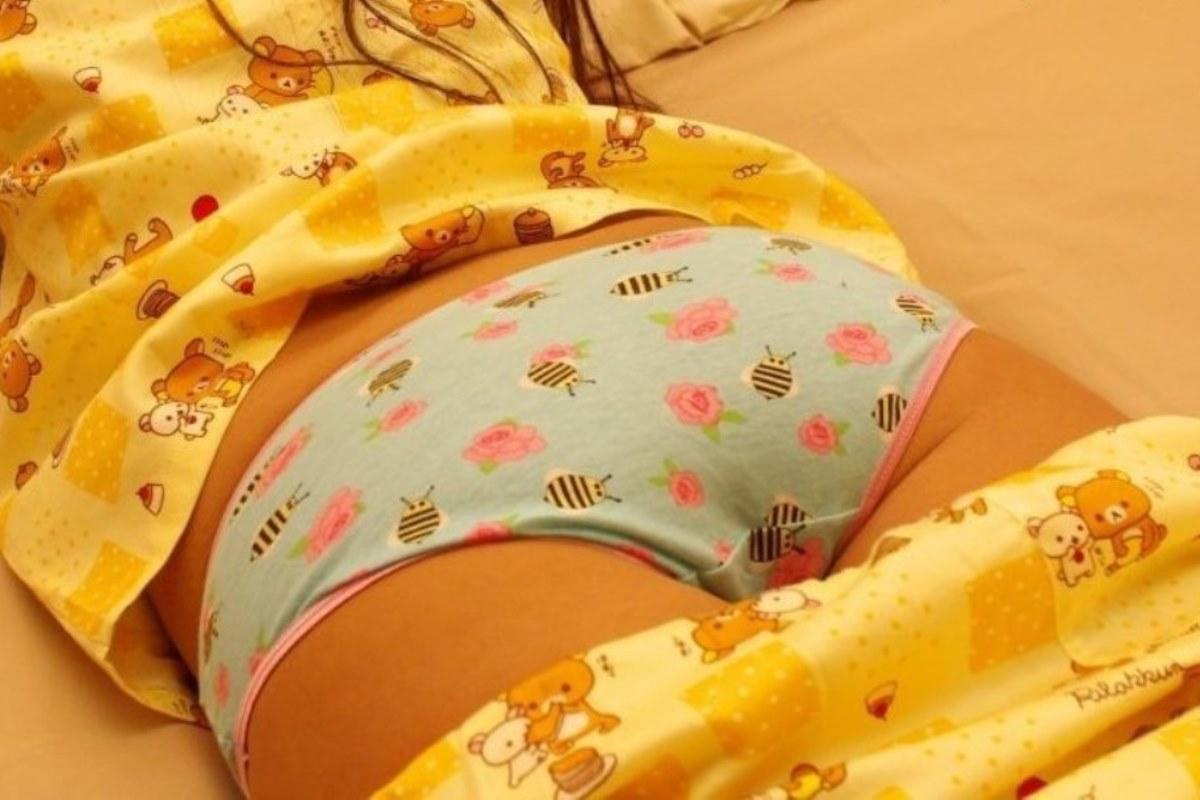 キャラパンやロリパンの子供っぽいプリントパンティ画像 14