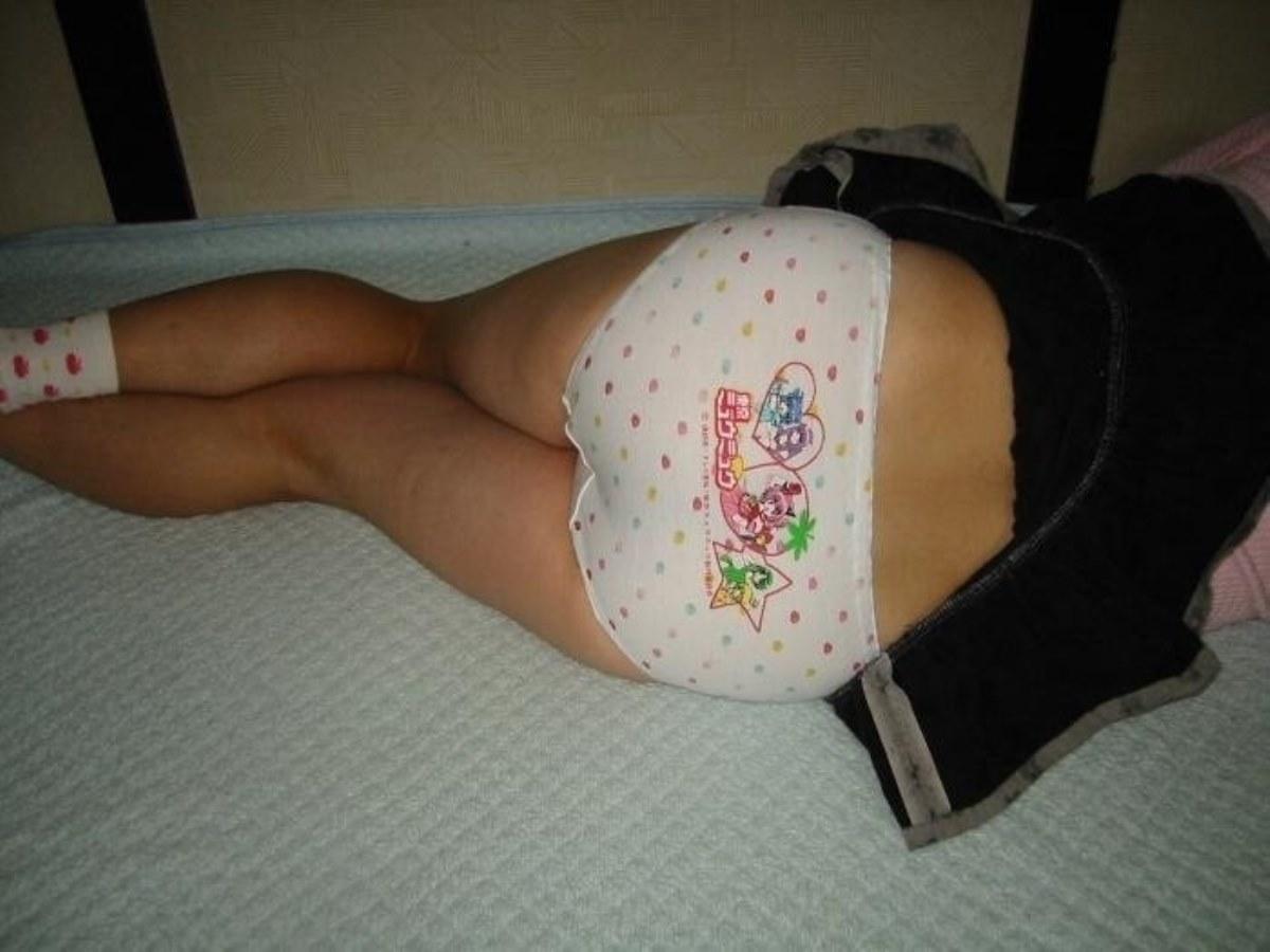 キャラパンやロリパンの子供っぽいプリントパンティ画像 28