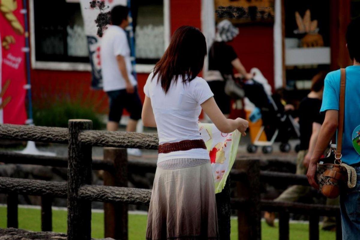 ハミブラ・透けブラの素人街撮り画像 9