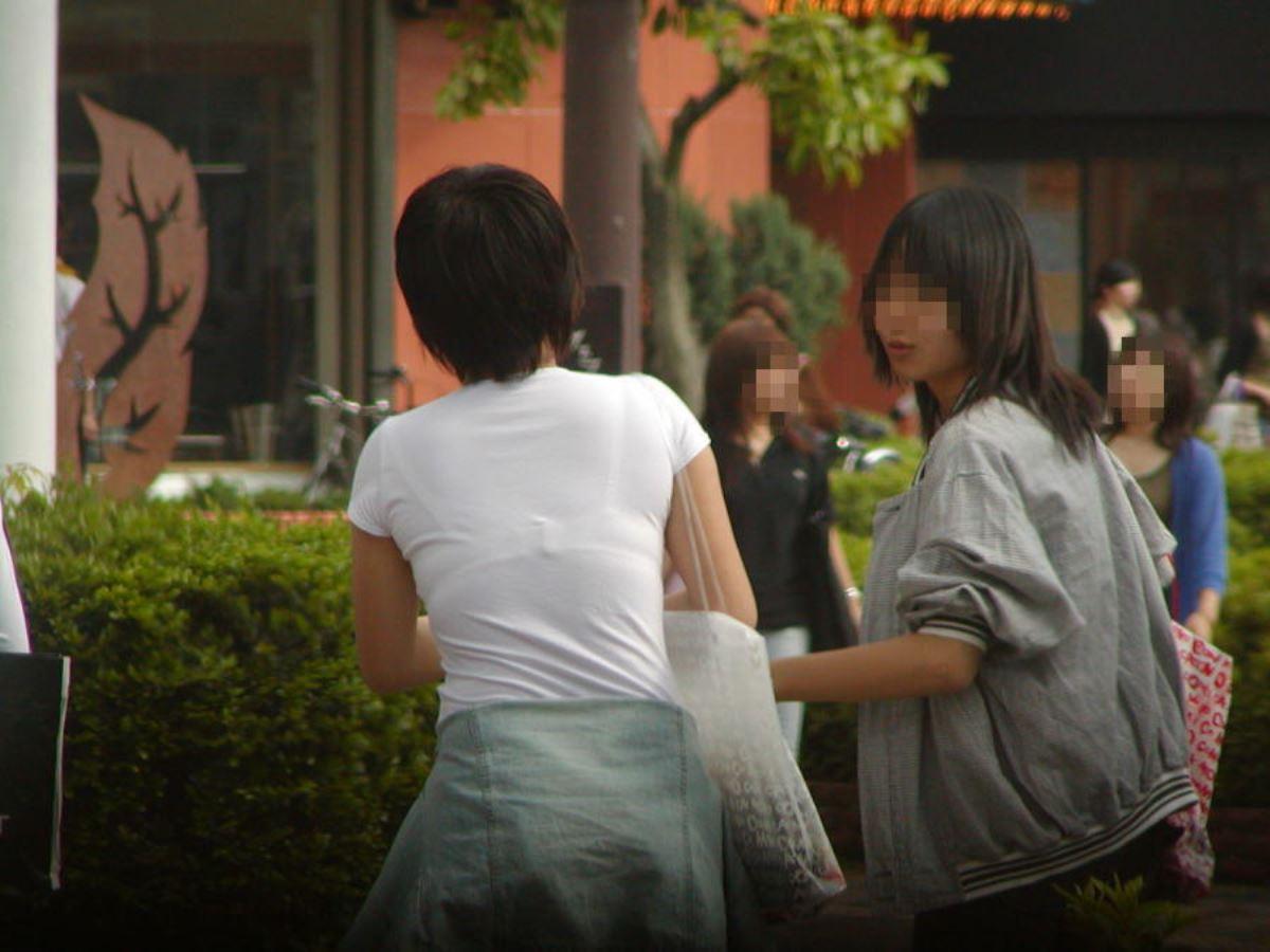 ハミブラ・透けブラの素人街撮り画像 29