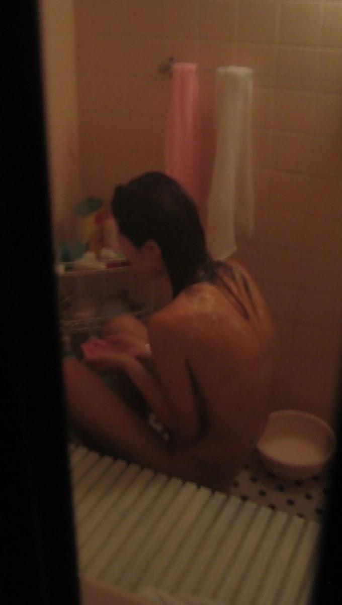 民家 入浴 素人 女性 お風呂 盗撮 エロ画像 23