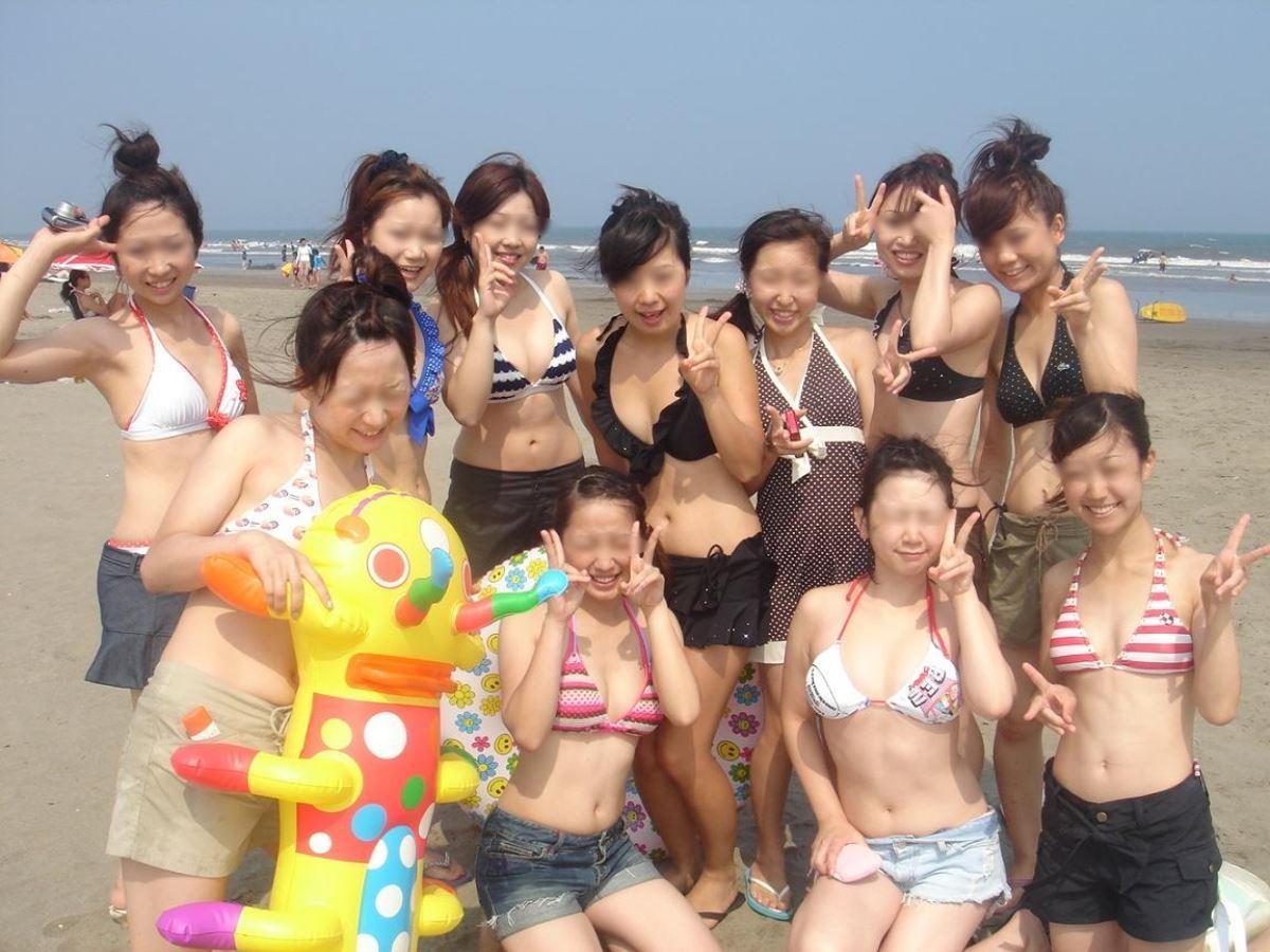 水着ギャル 記念撮影 集合写真 素人ビキニ画像 28